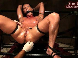 orgasmes tickling